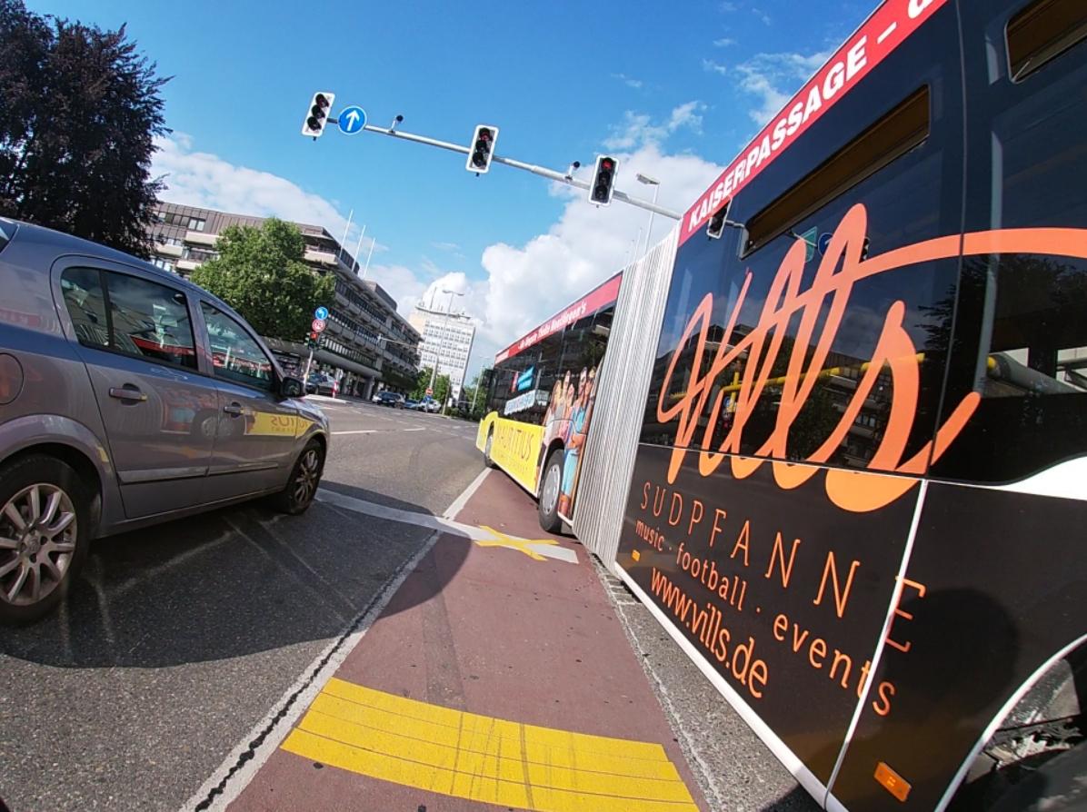 Video – RT – Karlstraße – Bus – Teil2